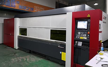 三菱 激光切割機 ML3015SR-F20.jpg